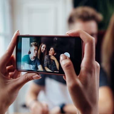 D'après l'étude menée par Avast, on stockerait en moyenne 952 photos sur nos smartphones.