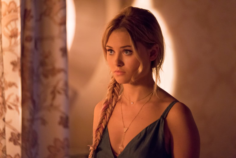 Karolina Dean est-elle une humaine ou une Gibborim dans Marvel's Runaways ?