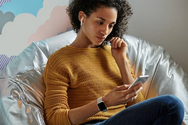 Les AirPods d'Apple vous permettent d'écouter la musique de votre iPhone sans-fil.