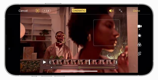 Dans l'édition de vidéos en Cinématique, on retrouve facilement les effets appliqués pendant ou après l'enregistrement, marqués par des points sous la barre de lecture. On peut alors les supprimer ou en ajouter à l'envie...