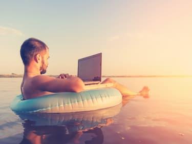 Data à l'étranger : tout savoir pour surfer sur le web depuis son lieu de vacances