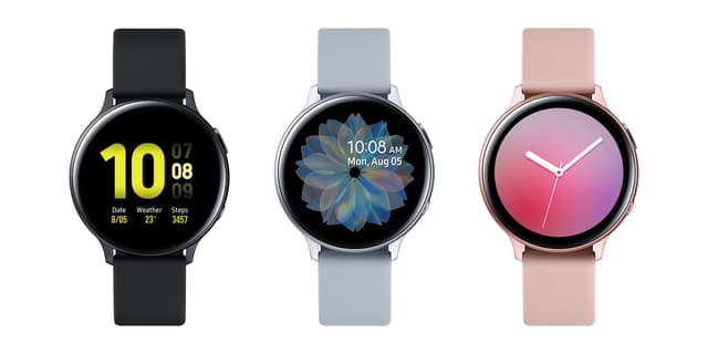 Associée à un smartphone Samsung, la Galaxy Watch Active2 peut commander l'appareil photo à distance et prendre des photos !
