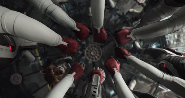 Les Avengers en plein rassemblement.