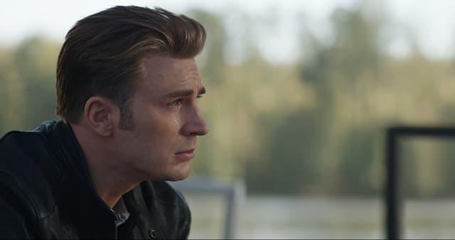 Steve Rogers (Chris Evans), alias Captain America, la larme à l'oeil dans Avengers : Endgame.