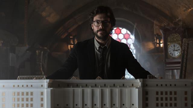 """Le """"Profesor"""" et son équipe préparent un nouveau braquage pour la Partie 3, disponible le 19 juillet prochain sur Netflix."""