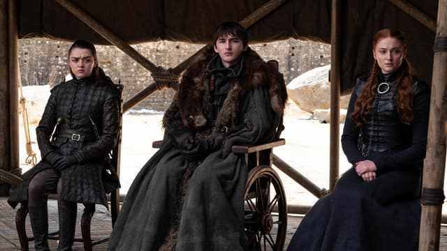 Arya (Maisie Williams), Bran (Isaac Hempstead-Wright) et Sansa Stark (Sophie Turner), dans le dernier épisode de Game of Thrones.