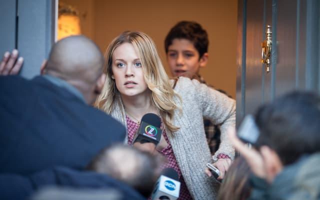 Alice Durand (Cara Theobold) et Flynn Durand (Patrick McAuley), personnages secondaires de la série Absentia.