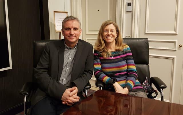 """Katharine Gun et Martin Bright, deux """"personnes ordinaires"""" lors de notre rencontre avec eux."""