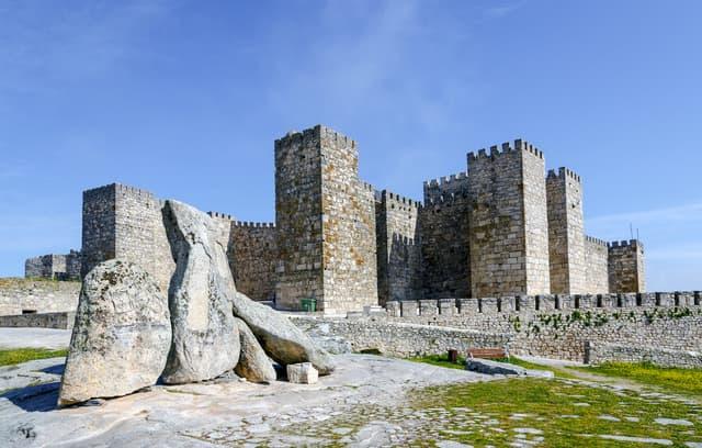 Le château de Trujillo, en Espagne, qui a servi de lieu de tournage à Castral Roc, demeure des Lannister dans Game of Thrones.