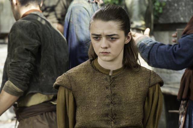Arya Stark se fait passer pour une fille sympathique, et pourtant, ça ne l'empêche pas de tuer à tour de bras.