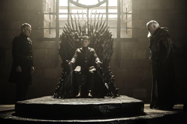 Le trône de fer en aura rendu fou plus d'un. C'est partiellement le cas de Tommen Baratheon !