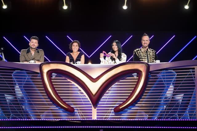 Kev Adams, Alessandra Sublet, Anggun et Jarry, les enquêteurs de Mask Singer sur TF1.