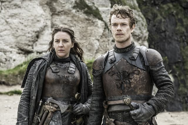 Yara et Theon Greyjoy dans la saison 6 de Game of Thrones.