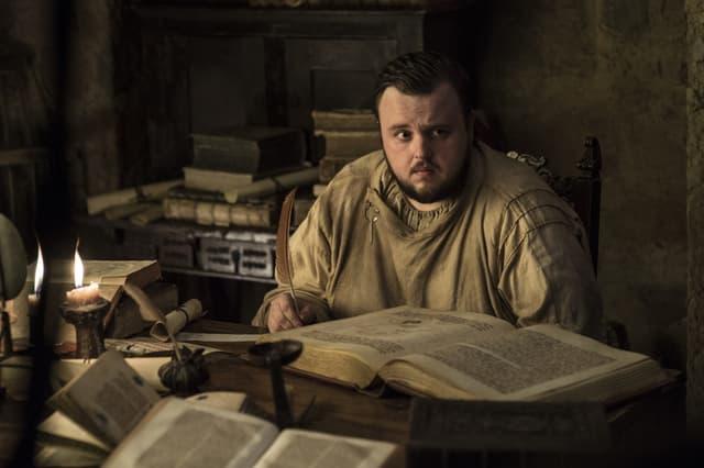 L'une des plus grandes surprises du final de Game of Thrones serait de voir Samwell tarly poser son postérieur sur le trône de fer.