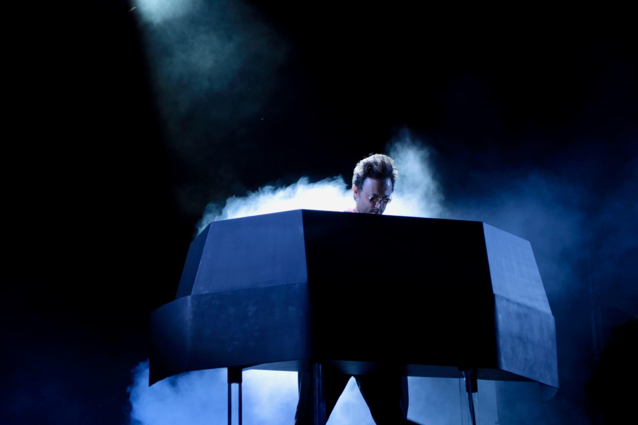 Le dénommé Agoria a fait danser les derniers festivaliers du FNAC Live 2019.