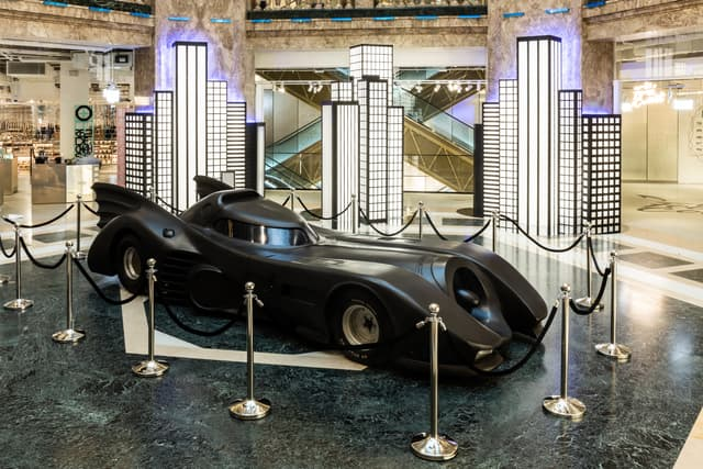 La Batmobile est bien là, mais impossible de l'acheter, sorry.