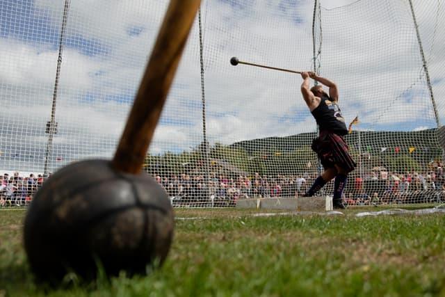 L'épreuve préférée de Thor dans les Highland Games : le lancer de marteau