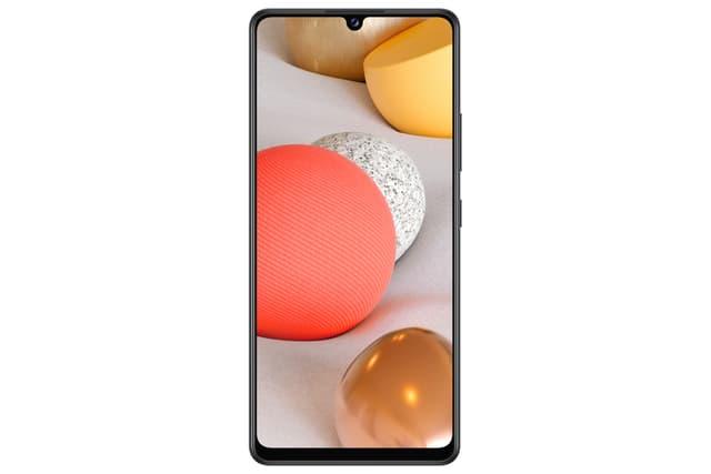 Le Samsung Galaxy A42 5G montre son bel écran de 6,6 pouces.