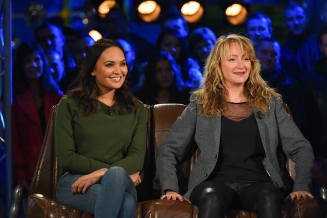 L'ex-Miss France Valérie Bègue (à gauche) a fait un très bon chrono dans Top Gear France