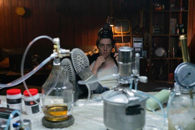 Tyler Brandon Mills, le terroriste au gaz de la deuxième saison d'Absentia.