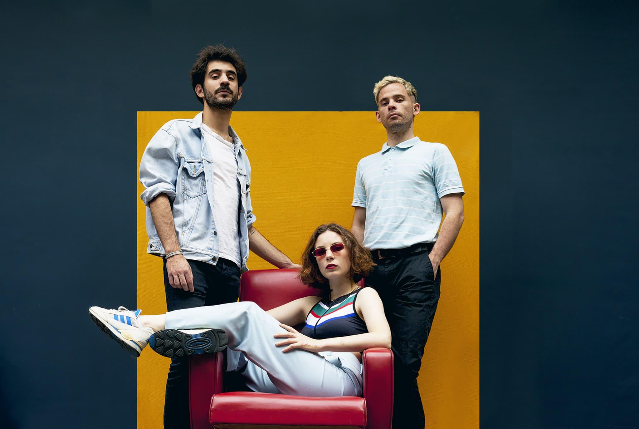 Raphaël, Adélaïde et Renaud sont le trio de tête de Therapie TAXI.