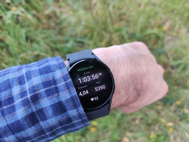 La Samsung Galaxy Watch4 a plusieurs modes d'entraînement, et détecte automatiquement les arrêts