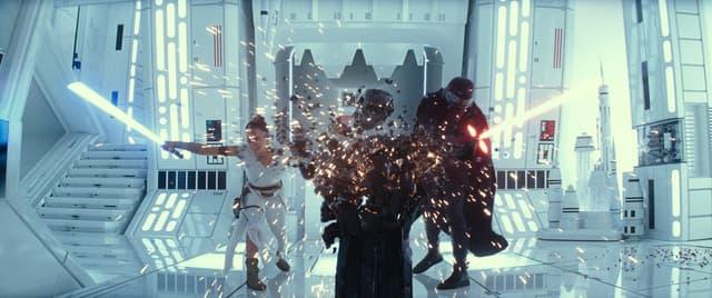 Rey (Daisy Ridley) et Kylo Ren (Adam Driver) dans la dernière bande-annonce de Star Wars IX.