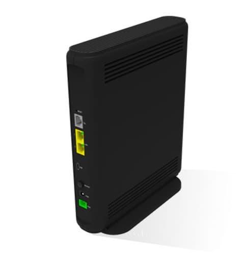 Le boîtier fibre et ADSL et la SFR Box 8 vu de dos