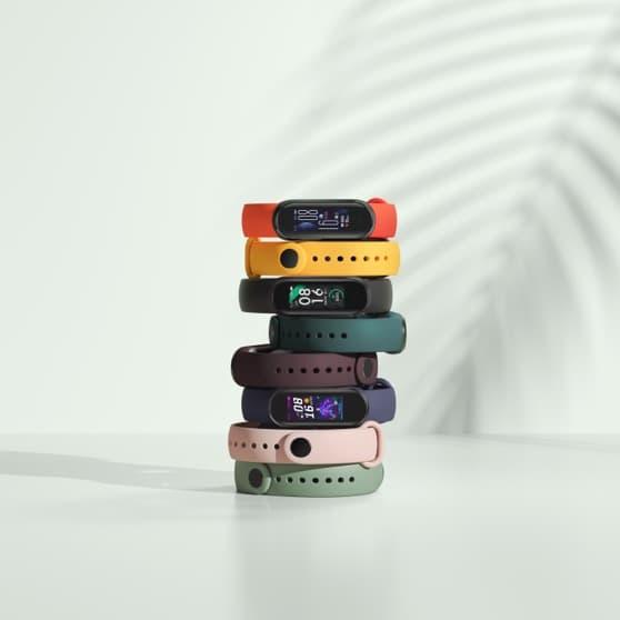 Des bracelets Mi Smart Band 5, il y en a pour tous les goûts !