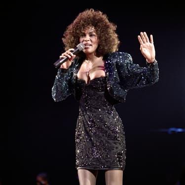 Whitney Houston, en concert au Palais Omnisports de Paris-Bercy, le 18 mai 1988.