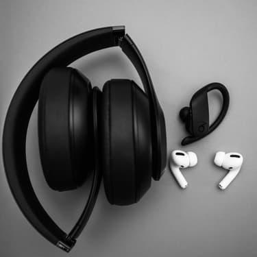AirPods Studio, le premier casque audio d'Apple se dévoile