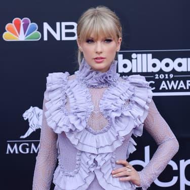 Taylor Swift autorisée à chanter ses anciens tubes