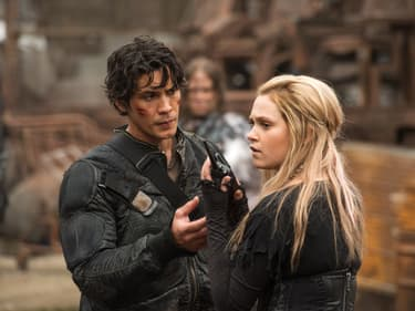 The 100 : Bellamy et Clarke vont-ils finir ensemble ?