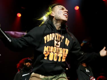 """6ix9ine, """"la balance du rap"""", condamné à 2 ans de prison"""
