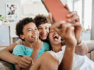 Smartphones : les bons plans de la rentrée sont chez SFR