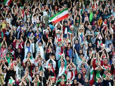 3 500 Iraniennes assistent à un match de foot, une première en 40 ans