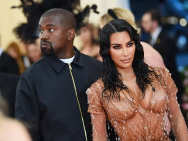 Pourquoi Kim Kardashian et Kanye West font appel à des mères porteuses ?