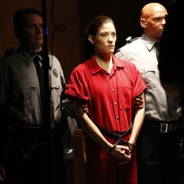 Erica Sheperd (Jennifer Carpenter), femme la plus détestée d'un pays qu'elle va devoir sauver dans The Enemy Wtihin