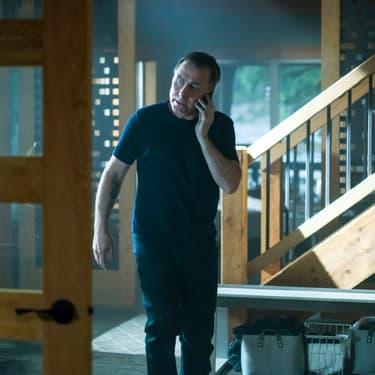 Jack Devlin (Tim Roth), alter ego de Jim Worth, dnas la série Tin Star, diffusée sur Altice Studio.