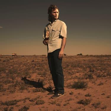 David Koresh (joué par Taylor Kitsch) était le leader des Davidiens, impliqués dans le dame de Waco qui a inspiré la mini-séie du même nom