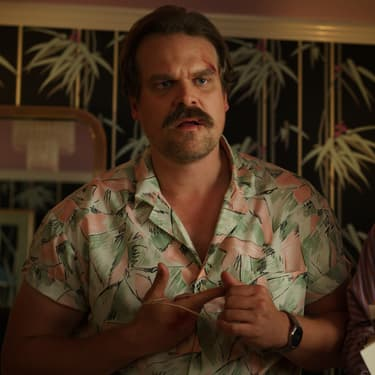 David Harbour et Winnona Ryder dans la saison 3 de Stranger Things.