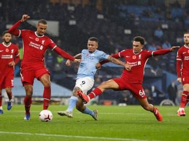 Premier League : pourquoi seulement 3 changements par match ?