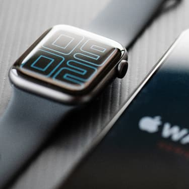 Craquez pour le beau design de l'Apple Watch Series 5, en ce moment en promo chez SFR...