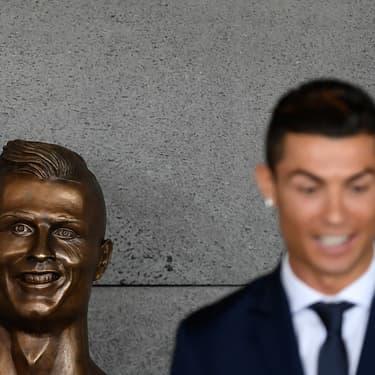 Le meilleur des pires statues de footballeurs