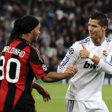 Ronaldinho et Cristiano Ronaldo lors d'un match de Ligue des Champions entre le Real Madrid et le Milan AC, le 19 octobre 2010 à Madrid