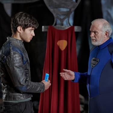 Seg-El, futur grand-père de Superman, est le héros de la série Krypton.
