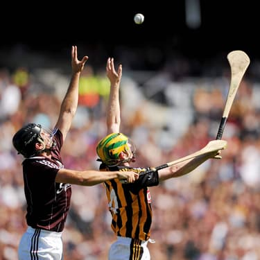Le hurling, le plus dingue des sports collectifs