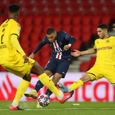 Mbappé face aux défenseurs du Borussia Dortmund le 11 mars 2020 au Parc des Princes