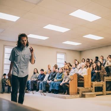 Waco, une histoire vraie qui explore le monde des sectes à l'américaine.