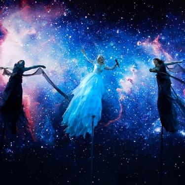 La chanteuse australienne Kate Miller-Heidke, candidate à l'Eurovision 2019 et sa performance intergalactique sur la chanson Zero Gravity, l'un des titres favoris de la rédaction pour cette édition.